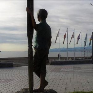 escultura torre del mar