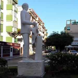 escultura marinero torre del mar